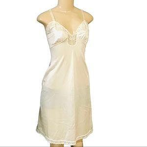 Vintage JCPenney full dress floral lingerie slip M